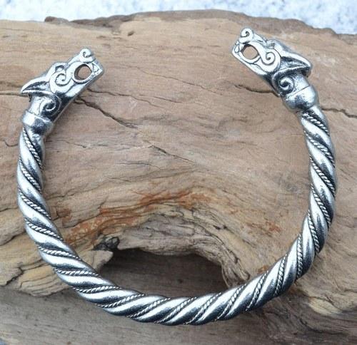VLK vikingský hlavy vlčí náramek cín vlci cínový