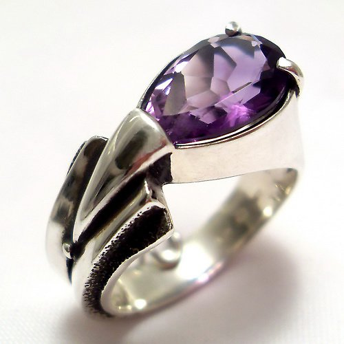 Prsten «Pero» -stříbro 925/1000, přírodní ametyst
