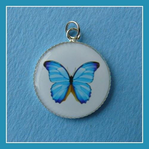 Přívěšek s motýlem