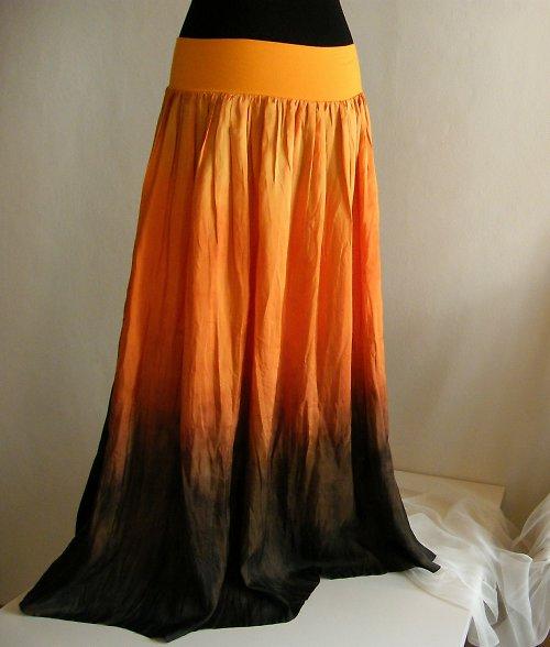Pomeranče a čokoláda - rozevlátá hedvábná sukně