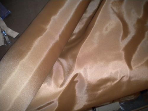 podšívka v mnoha barvách 100 % polyester
