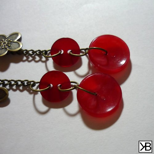 Easy Red Buttons Long