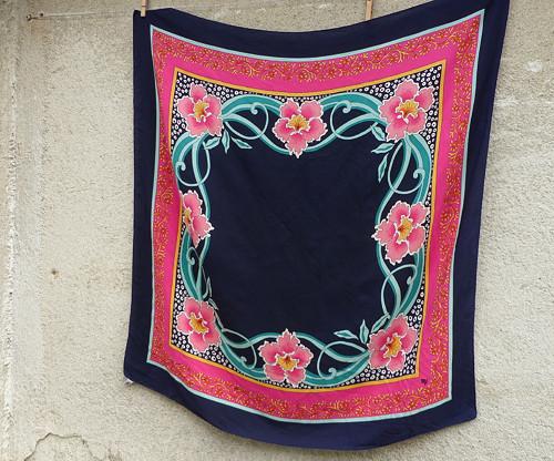 Číslo 5...hedvábný šátek Leonard Paris