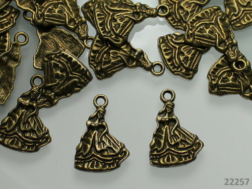 22257 Vintage přívěšek bronz princezna, bal.2ks