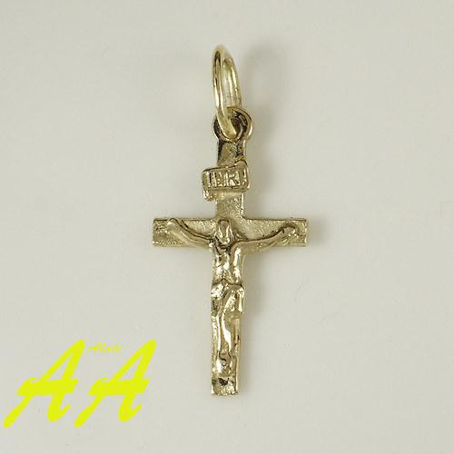 Zlatý křížek s Kristem