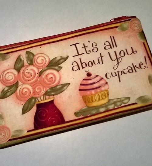 It\'s all about you cupcake - taštička / penálek
