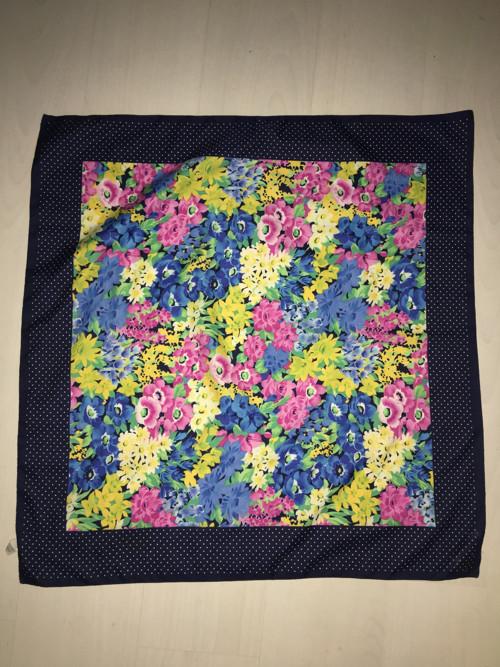 Květovany satenovy šátek