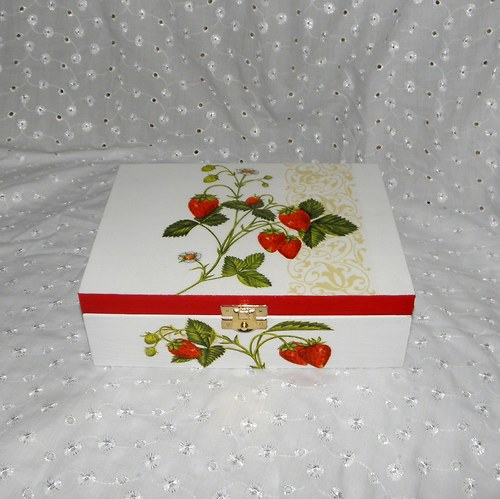 Krabička na čaj - jahůdky v bílé