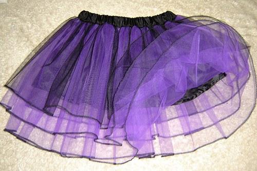 VIOLET - Černofialová tylová sukně s lemováním