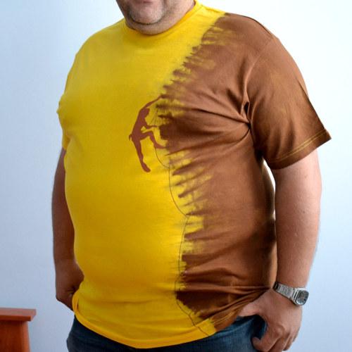 Žluto-hnědé tričko s horolezcem 3XL