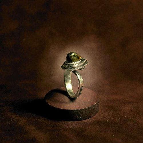 Mosazný prsten Tygří oko II.