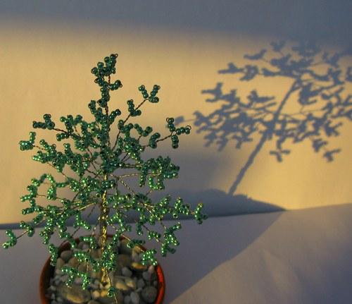 Stromek z korálků menší