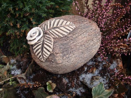 keramický kámen do květináče