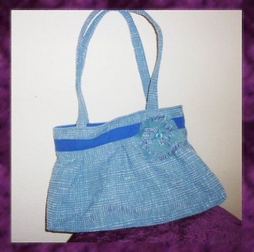 Modrá kabelka