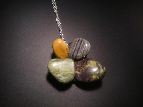 Náhrdelník z kamínků