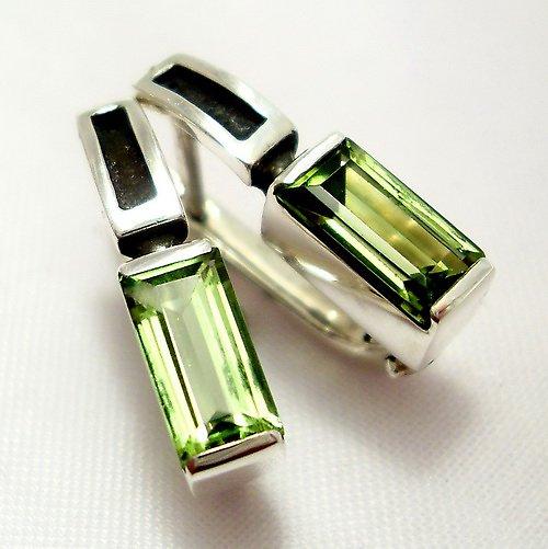 """Náušnice \""""Rámeček\"""" - stříbro 925, přírodní olivín"""
