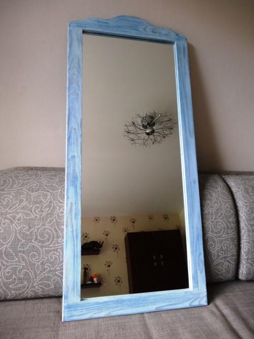 Zrcadlo s vyřezávaným horním rámem 031