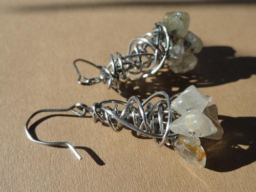 krystalky sagenitu