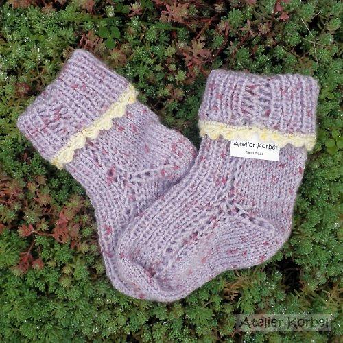 Fialové ponožky se žlutou krajkou, akryl,vel. 9 cm