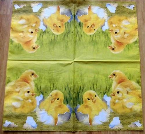 VEL 024 - ubrousek 33x33 - kuřátka