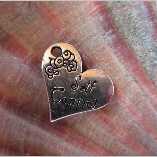 srdcový kovový přívěsek