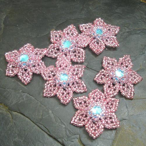 Šitá květinka - růžová s azurovým středem - 1 ks