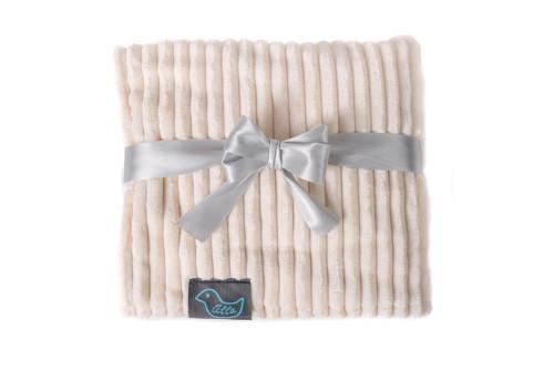 Bílá deka modrý ptáček pro dospělé