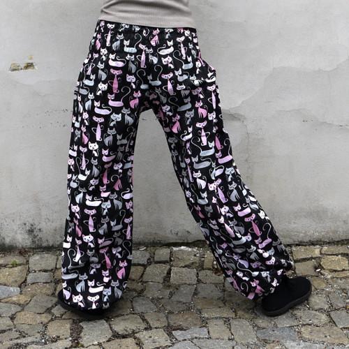 Turecké kalhoty Kočky na černé