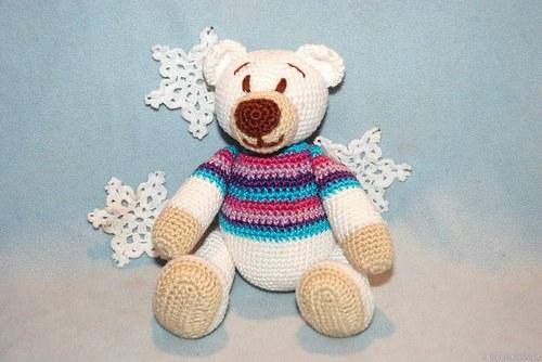 Lední medvěd ve svetru