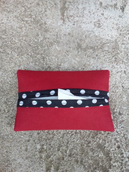 Pouzdro na kapesníky červené