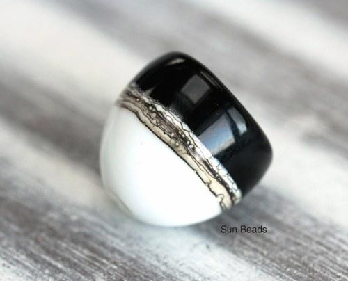 Dekorovaný vinutý klobouček Black and white II