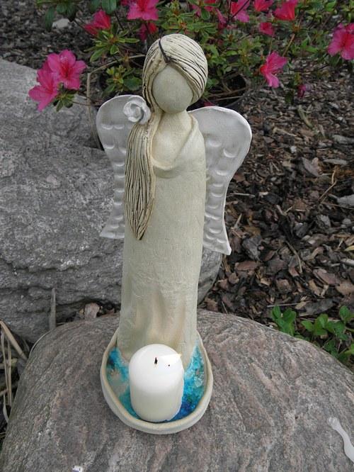 Romantický anděl na svíčku
