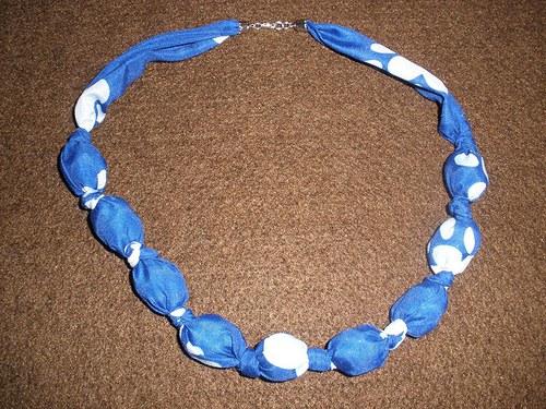 Puntíkatý náhrdelník