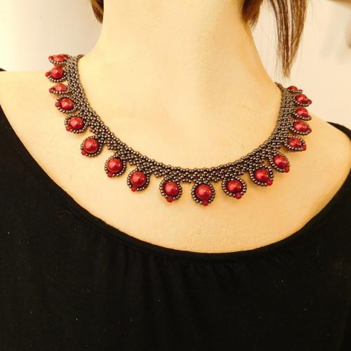 Černo-červený náhrdelník