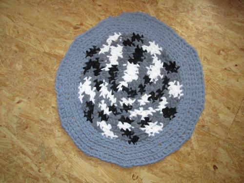 Hřejivý jemný šedý kobereček 60CM