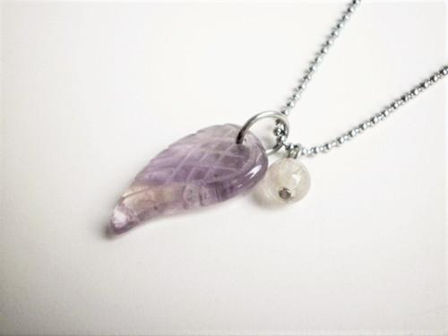 Andělské křídlo ametyst kvalitní ocel náhrdelník