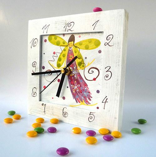 hodiny s kukačkou - bílé s andělem