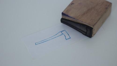Dětské razítko s obrázkem, tiskátko sekyra