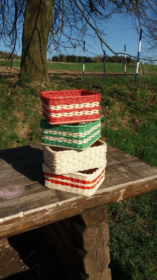 barevné krabice