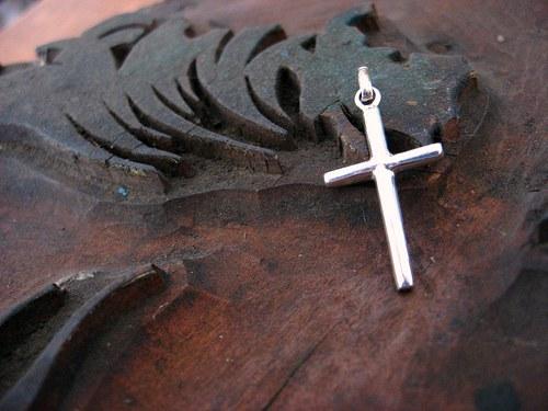 KŘÍŽEK - přívěsek celostříbrný