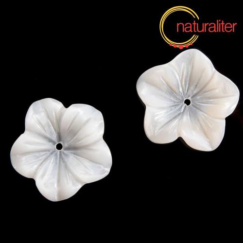 Perleťový květ 18mm přírodní bílý