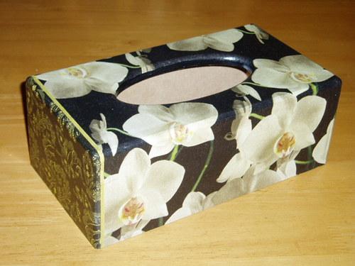 Krabička na kapesníky Orchidej na černém