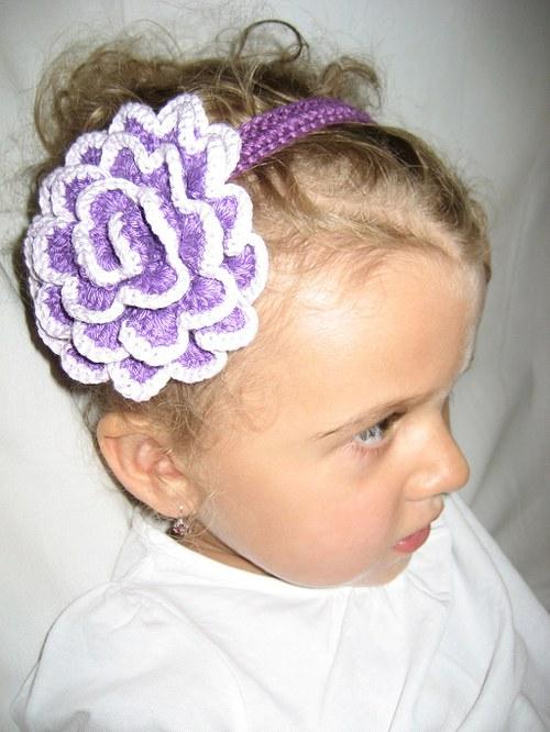 Háčkovaná čelenka s kytkou - fialová/lila/fialová