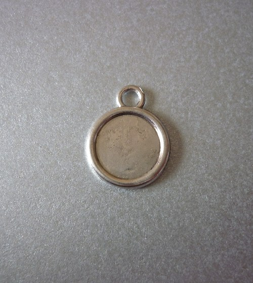 l8 /přívěsek, lůžko kolečko s očkem/ 14mm/2ks