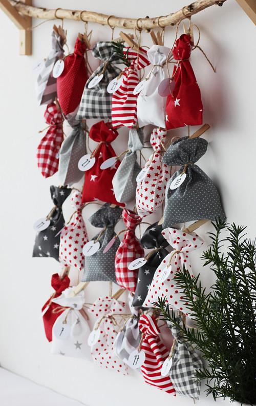 """Adventní kalendář \""""Red and Grey\"""""""