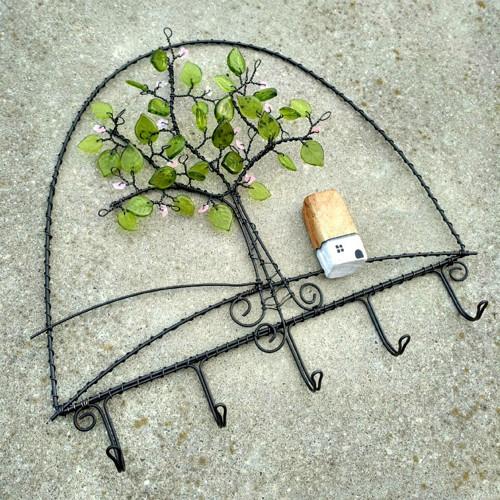 drátovaný věšák - stromek
