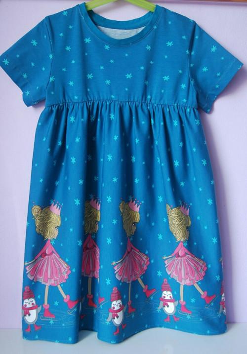 """Úpletové šaty pro holčičku modré \""""Princezna na bru"""