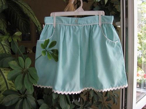 Dívčí,dámská suknička kostička,s kapsami.
