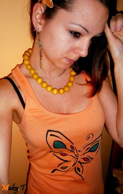 Motýlek v oranžové