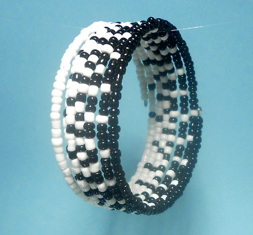 Rokajl - náramek černá a bílá 5,5 cm